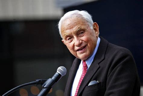 Wexner condemns white supremacists in speech to L Brands
