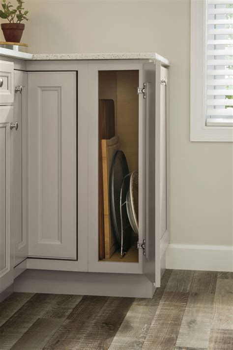 Base Tray Divider Cabinet - Aristokraft Cabinetry